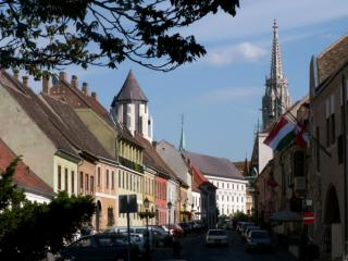Grand City Tour with walk in the Castle District